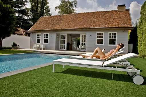 gazon synth tique plus vrai que nature le blog du sol. Black Bedroom Furniture Sets. Home Design Ideas