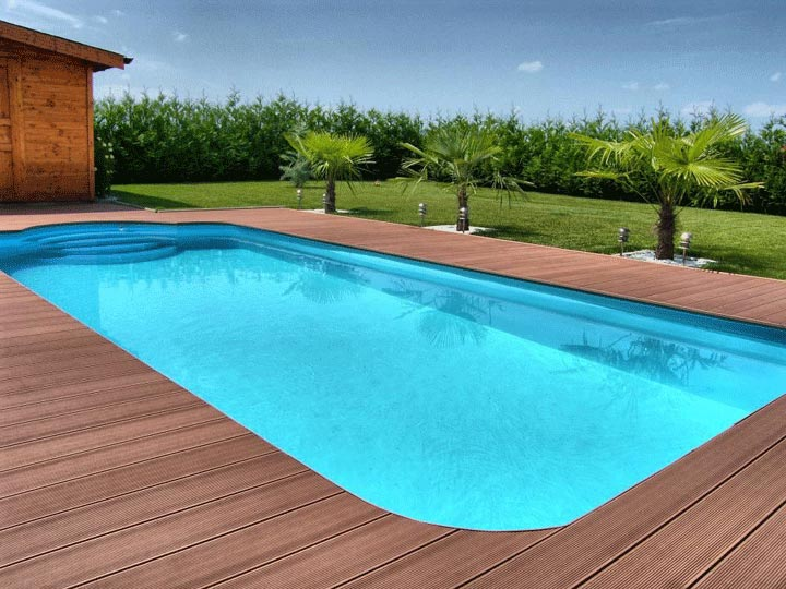 terrasse bois composite autour d une piscine. Black Bedroom Furniture Sets. Home Design Ideas