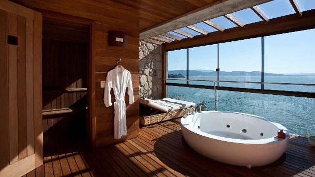 excellent sol de chambre en teck magnifique salle de bain en teck lhtel ponta dos ganchos au magnifique salle de bain en teck with parquet salle de bain - Sol De Chambre En Teck