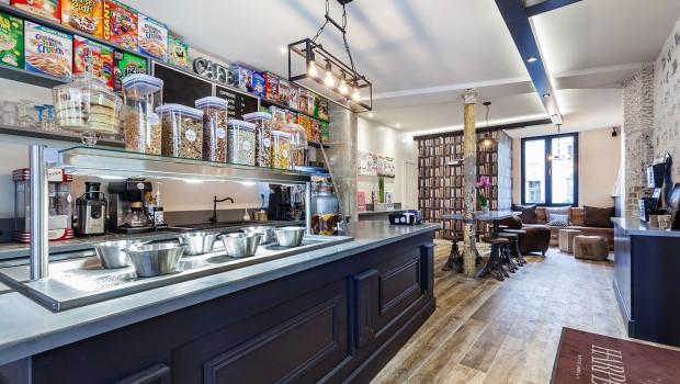 Harper's_coffee_shop_paris_parquet_vieille_ferme_decorasol