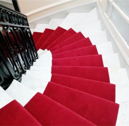passage_d_escalier_rouge_decorasol